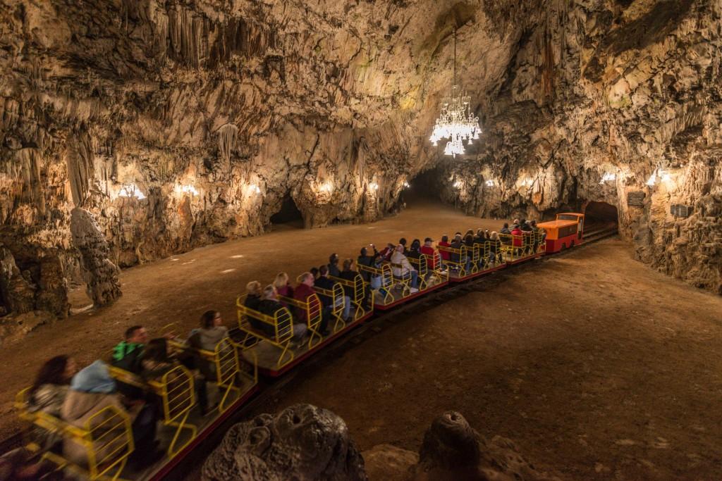 Postonja.Caves.original.3792