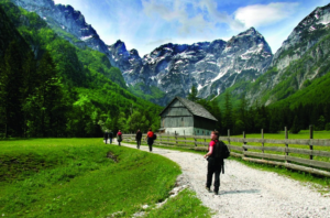 hiking-in-robanov-kot_savinja-and-scc8calek-valley_photo-zavod-rinka_slovenia